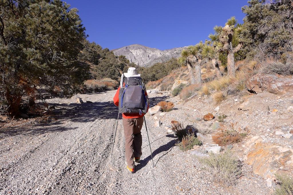 3000' climb to Cerro Gordo Mine